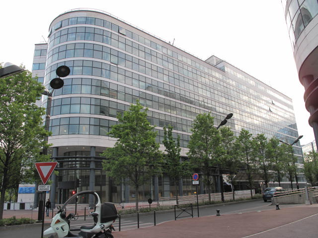 French Alstom in talks over selling of energy division