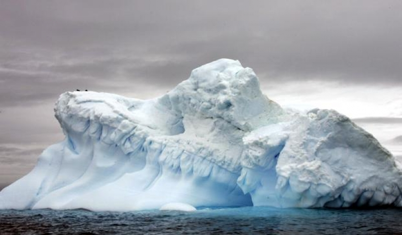Scientists hope 2,000-year-old ice holds clues to climate change