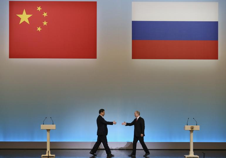 China and Russia sign $400-billion gas deal