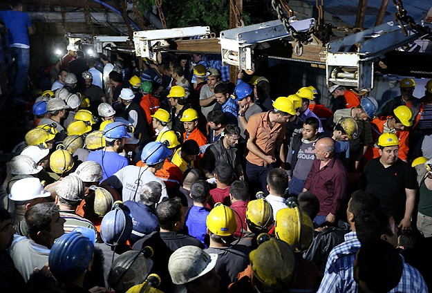 Turkish labor ministry launches probe into Soma mine inspectors