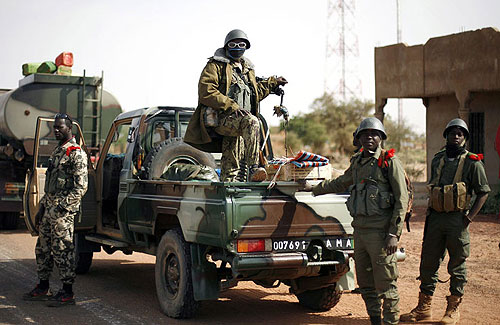Mali sends troops to retake town from Tuaregs