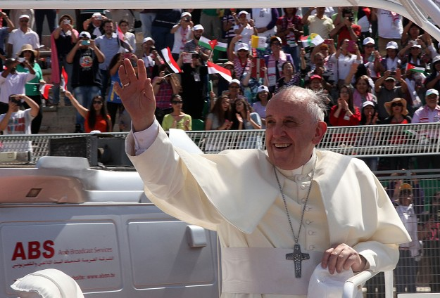 Pope gets Christian letter on Palestinian suffering