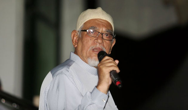 Malaysia Islamic Party leader suffers heart attack