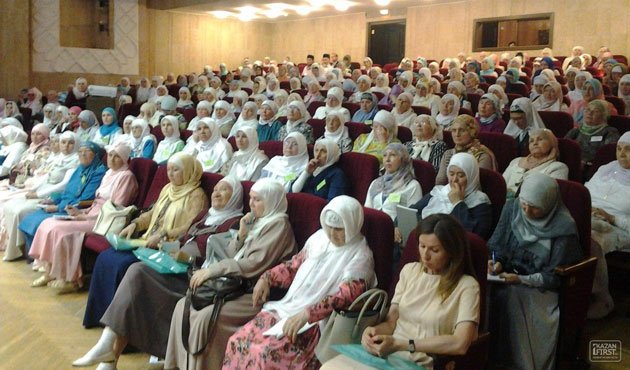 Muslim women call to end headscarf ban in Tatarstan