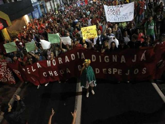 Sao Paulo metro strike suspended, but fears loom
