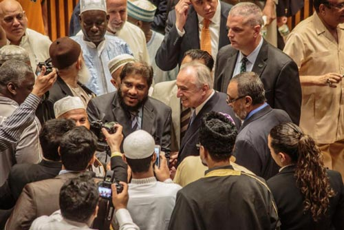 New York police vows to protect Muslims rights