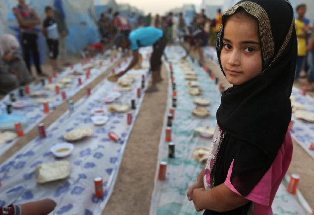 Sunnis and Shiites break fast together in Iraq