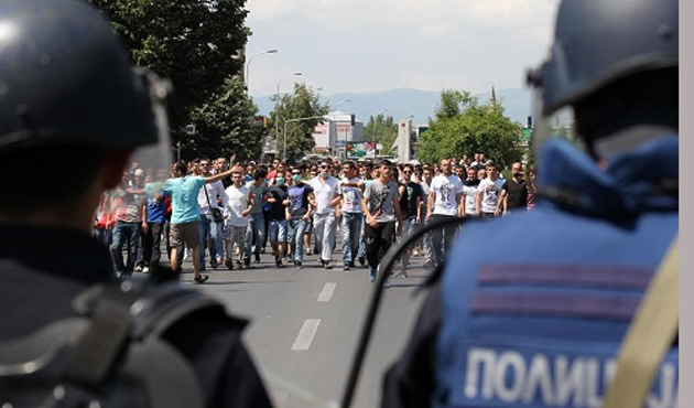 Ethnic Albanians protest for third week in Macedonia