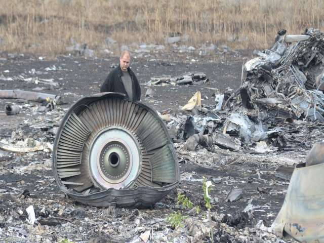 Russia critical of MH17 inquiry, wants bigger UN role