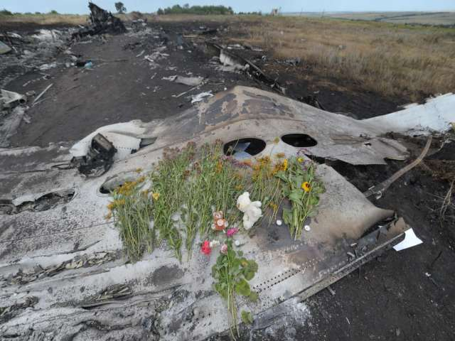 Bodies, black boxes handed over from Ukraine crash site