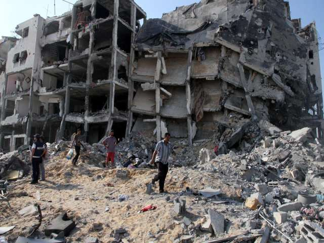 Israel ravages Gaza, then hinders reconstruction aid