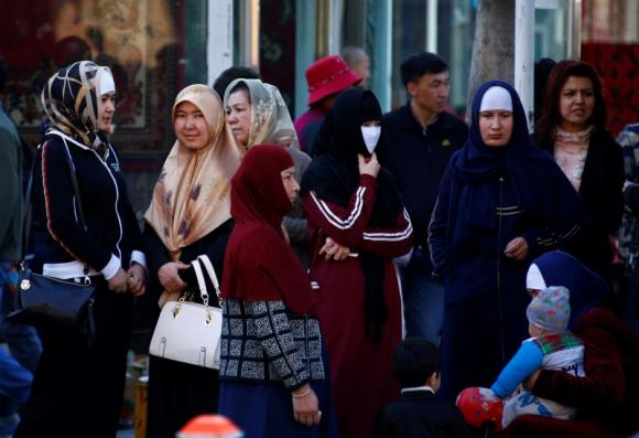 China bans beards, veils on East Turkestan buses