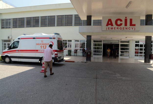 2 Syrians getting treatment in southern Turkey