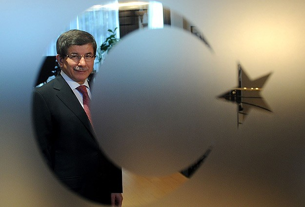 Turkish FM Davutoglu tipped to replace Erdogan