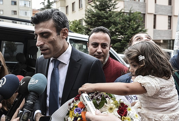 Rescued Turkish consul general describes ISIL captivity