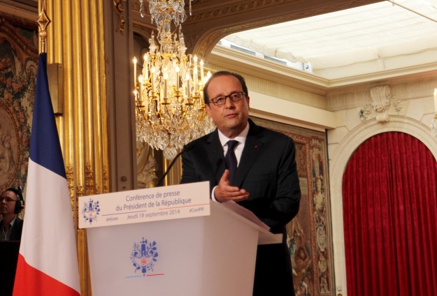 France warns African leaders against trying to keep power