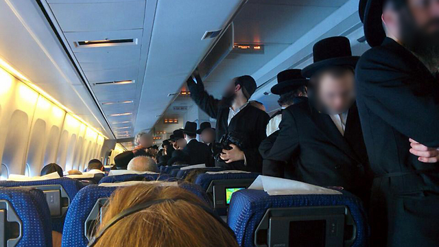 Ultra-Orthodox Jews refuse to sit next to women on plane