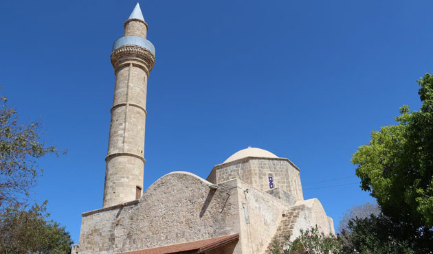First prayer in South Cyprus mosque in 40 years