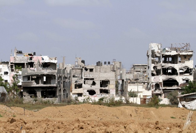 Gaza bans teens from travel to Israel -UPDATED