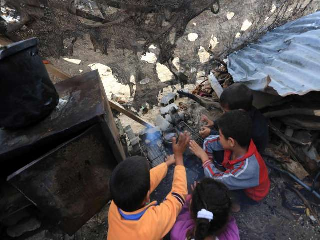 Desperate for cement and bulldozers, Gazans face winter in ruins