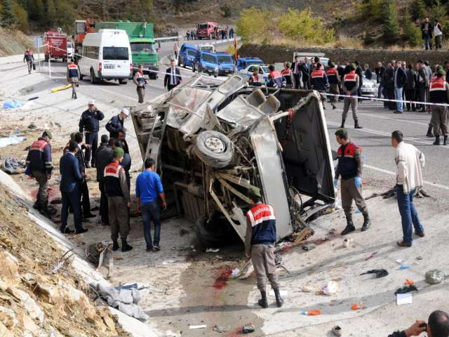 17 killed, 29 injured in Turkey bus accident -UPDATED
