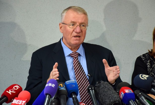 Croatia leads outrage over Serb leader Seselj's acquittal