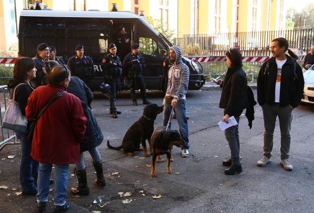 Rome evacuates children from immigrant centre as violence mounts
