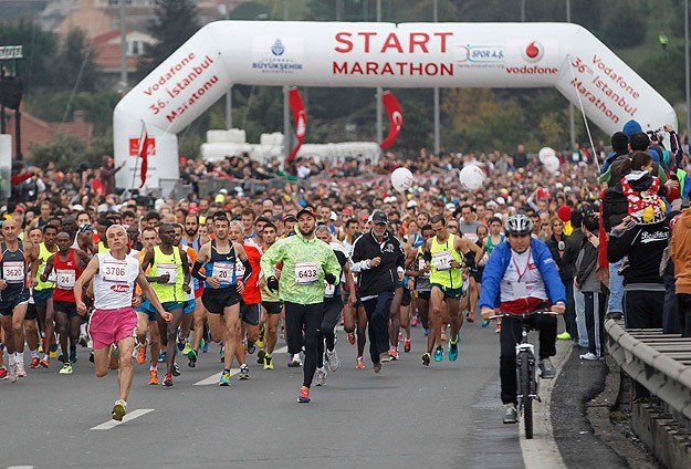 Athletes and Istanbulites race in the city marathon