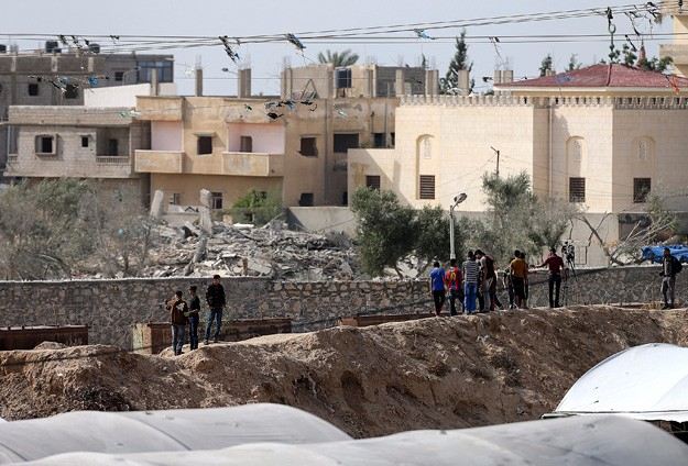 Egyptian troops kill Palestinian youth from Gaza