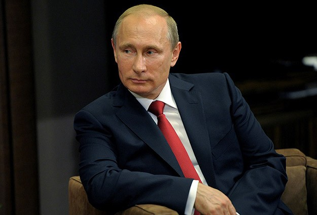 Putin says Ukraine must remain a single political entity