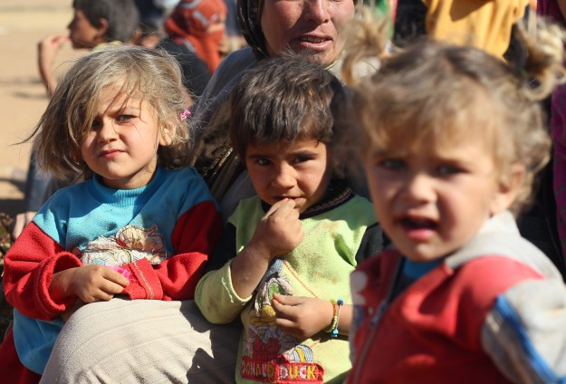 Syrian refugees in Lebanon face starvation after UN cuts