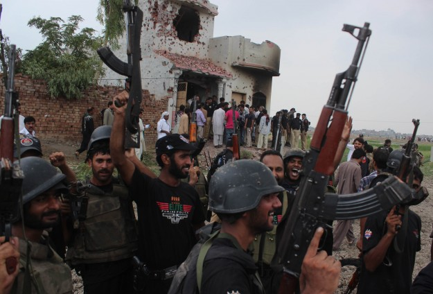 Pakistan to set up army courts for terror cases