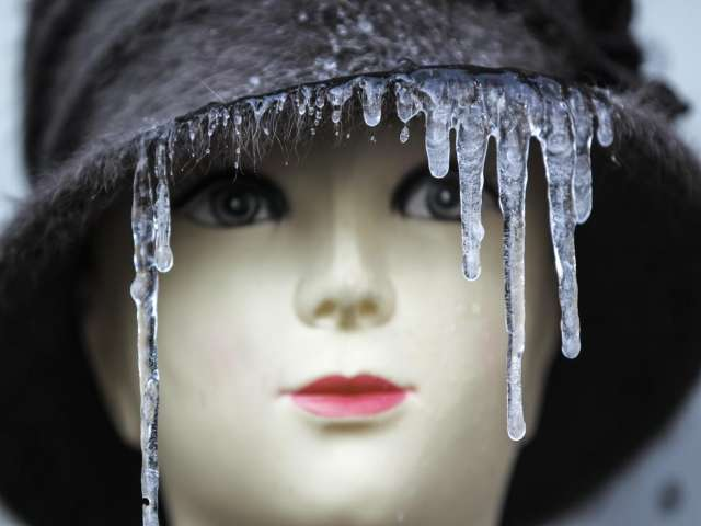 Ukrainians feel the pinch as winter closes in