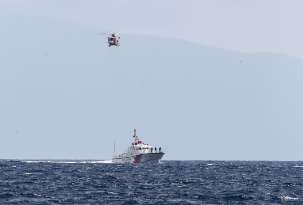 Second refugee ship in a week lands in Italy