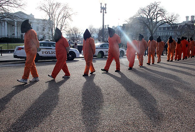 US senators push moratorium on Guantanamo transfers