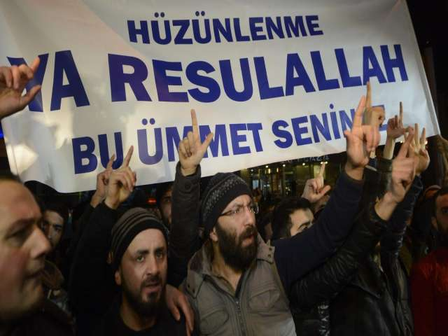 Five held in protest over Charlie Hebdo's Turkish issue