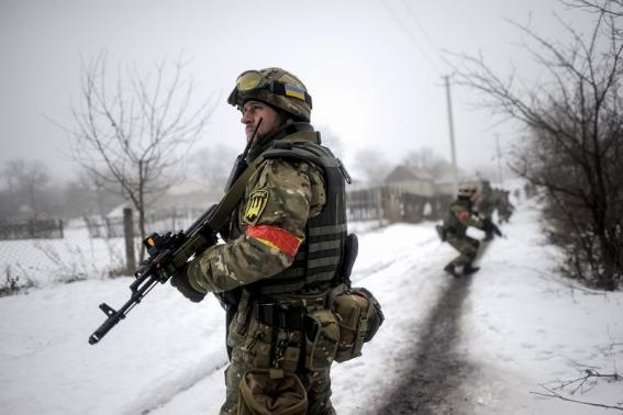 Rebels pound Ukrainian troops after peace talks fail