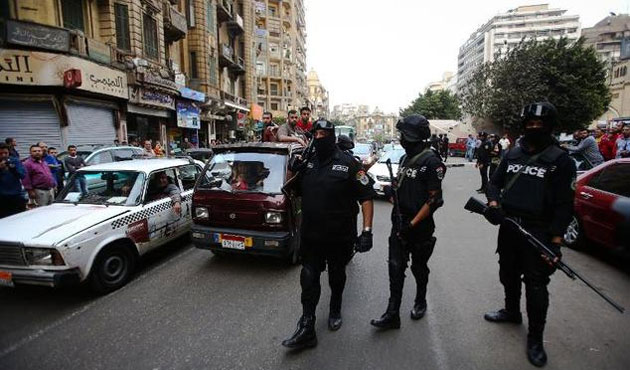 Two bombs explode near Cairo police station