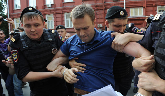 Russian police arrest Navalny at anti-Putin protest as thousands rally