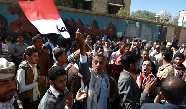 Yemenis rally in Sanaa against Houthi 'coup'