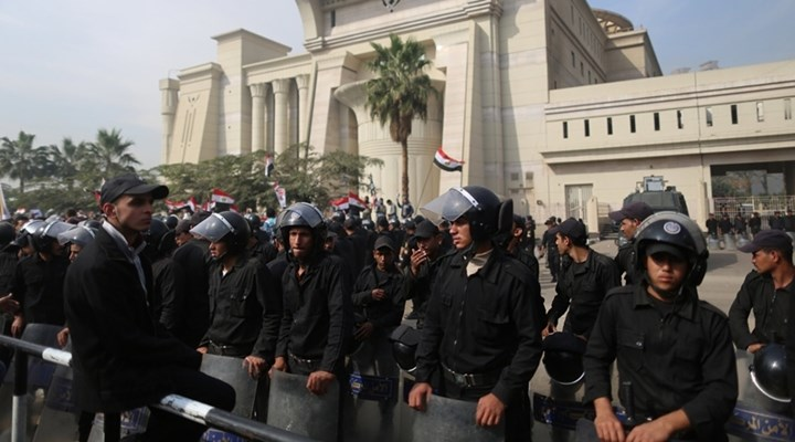 Egypt refers 187 Brotherhood supporters to military court