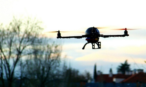 French police to hunt mystery Paris drones