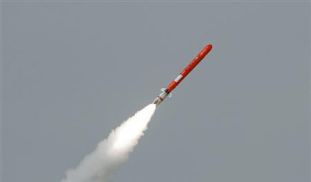 Pakistan test-fires nuclear-capable missile