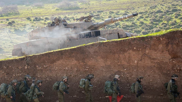 Israeli army to cross Lebanese border if war breaks