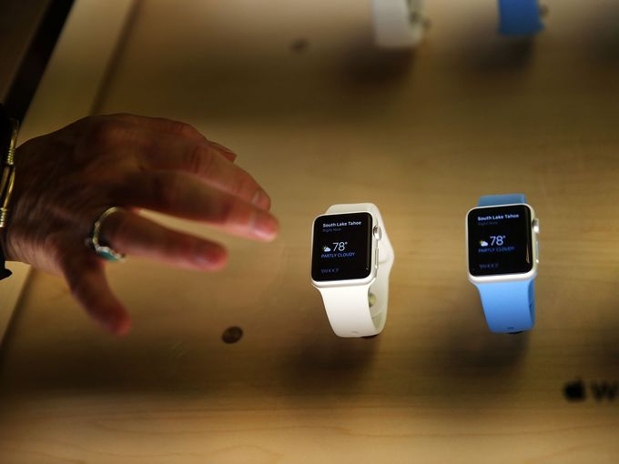 Apple Watch pre-orders sell out in minutes