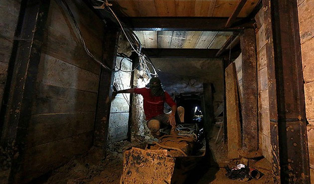 Gaza-Egypt tunnels for Palestinians: not to freedom, to die