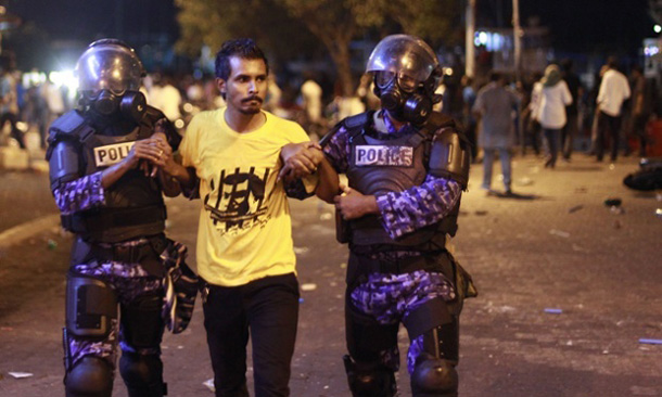 Maldives police arrest 192, opposition leader