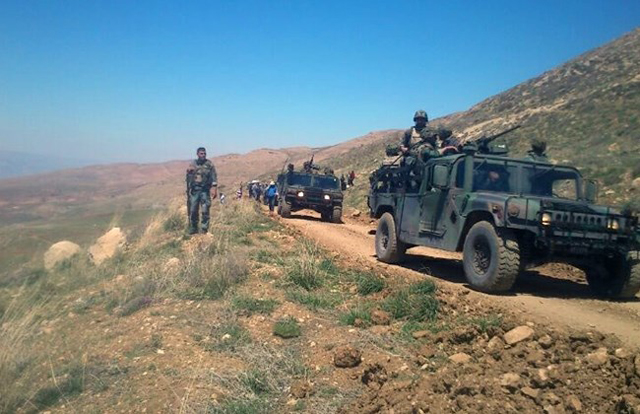 Hezbollah clashes with Syrian forces in E. Lebanon