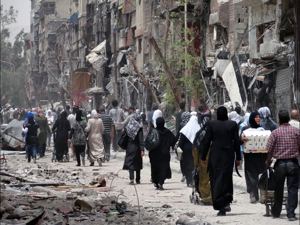 UNICEF gives aid to displaced Yarmouk refugees