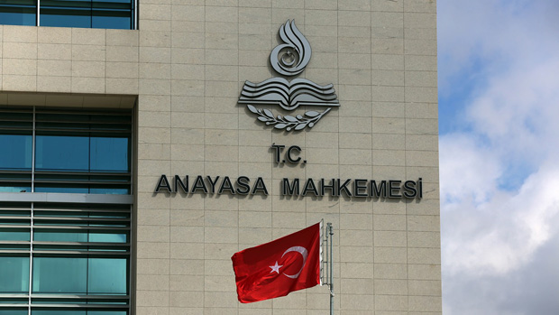 Police chiefs held in Turkey wiretapping sweep